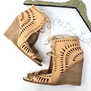 Jeffrey Campbell Wedge Heels Tan Cutouts